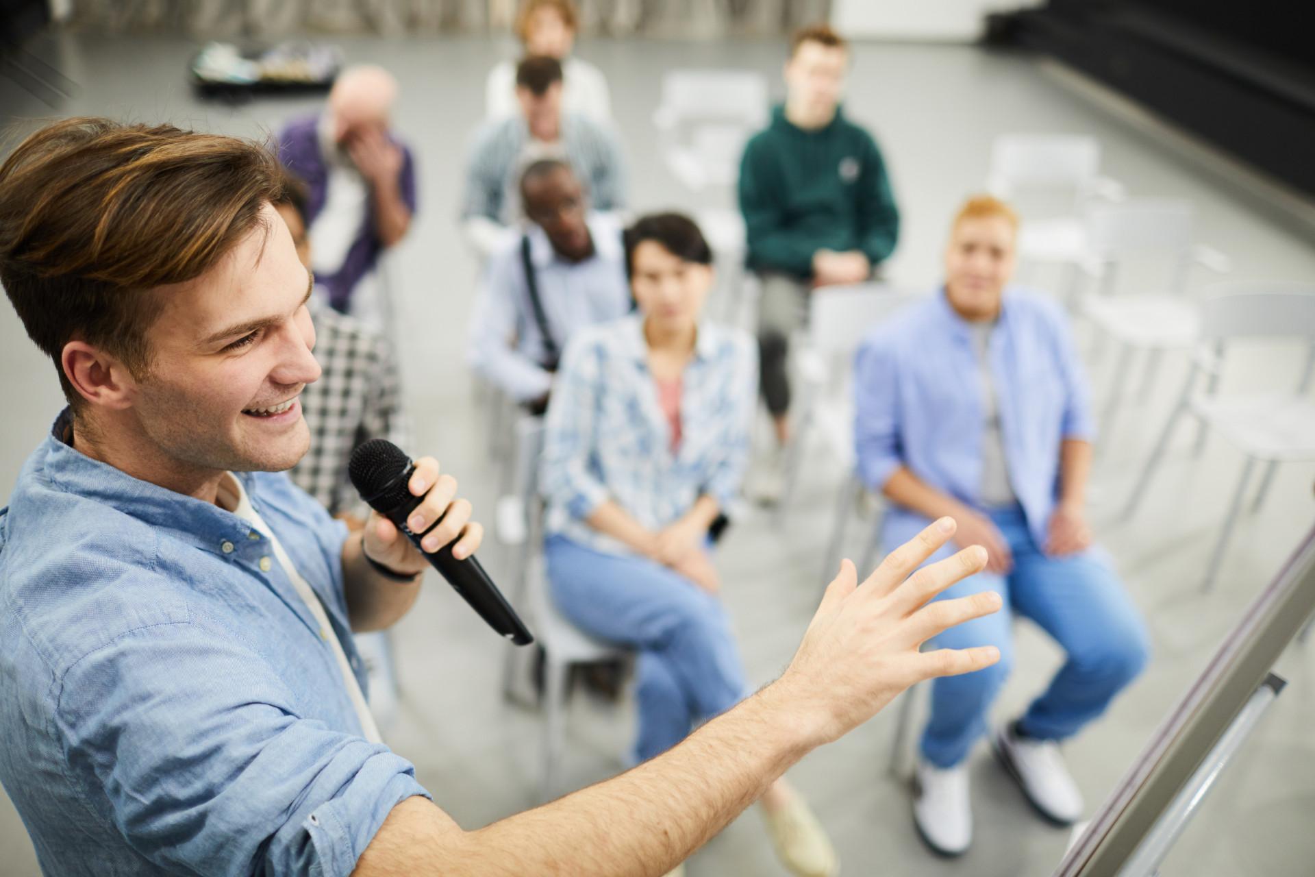 Book a professional for sales coaching with Eventeus.com